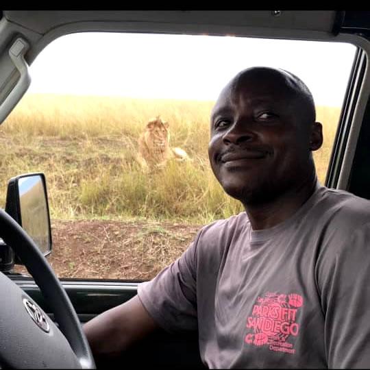 Leonard Msafiri Tour Guide